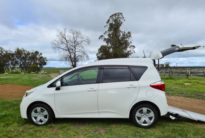 Toyota Ractis A1 (Small)